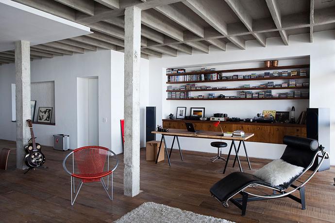 Oscar Niemeyer's Copan Apartment Redesigned by Felipe Hess & Renata Pedrosa