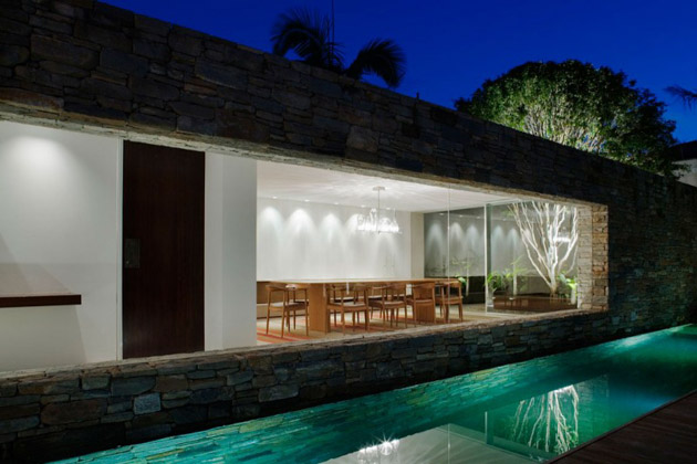 Mirindibas House by Studio MK27 – Marcio Kogan