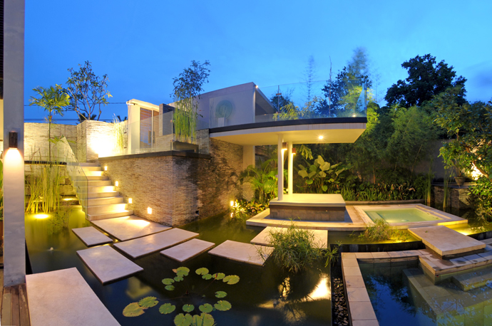 Discover the Art of Tropical Living at Paya Paya Villa, Bali