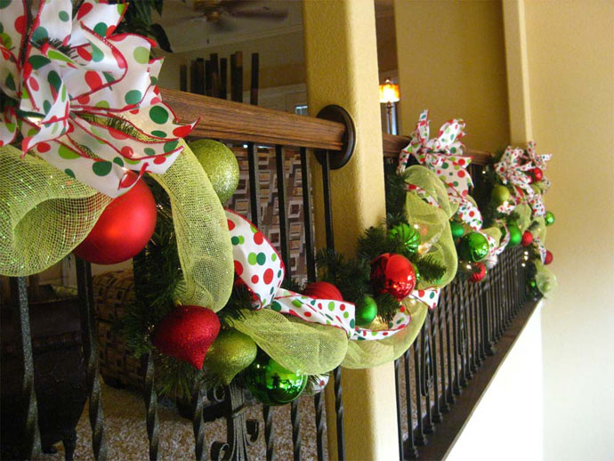 30 beautiful christmas decorations that turn your staircase into a fairy tale - How To Decorate Stairs For Christmas