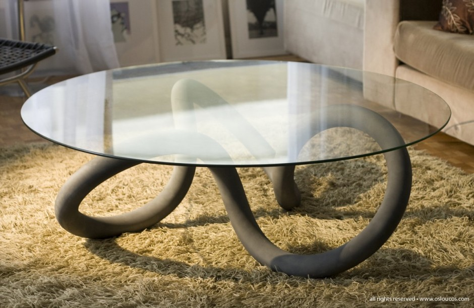 Toroid Table by OL! Os Loucos