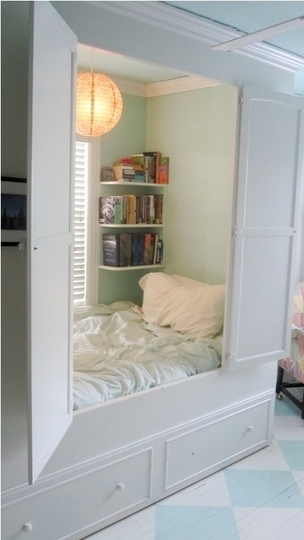 shelf ideas for small bedroom