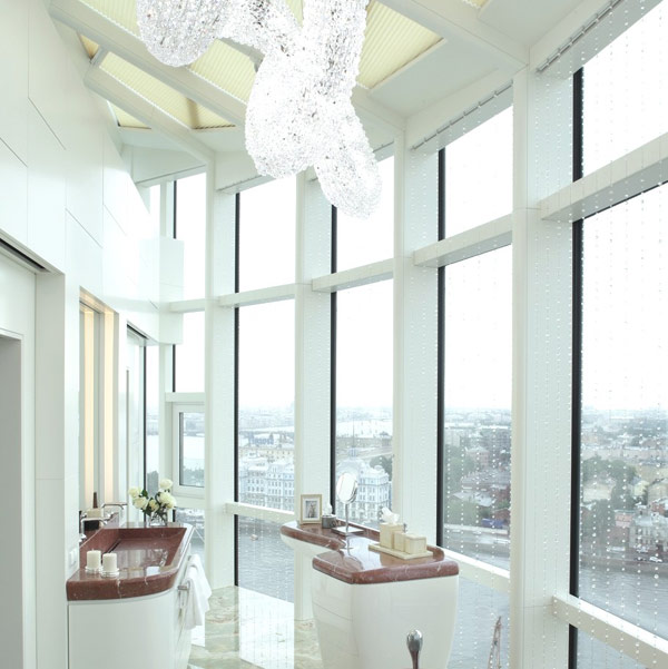 Sophisticated Triplex in Saint Petersburg With Panoramic City Views
