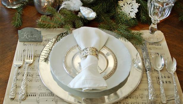 Classic Silver and White Table Decor