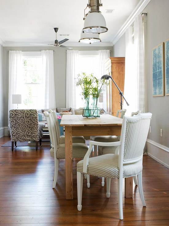 Examples of dining rooms in small spaces