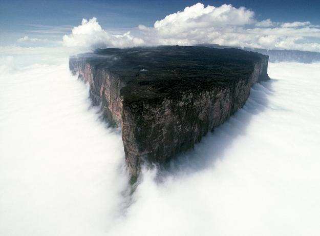 25 Places That Don't Look Normal, But Are Actually Real