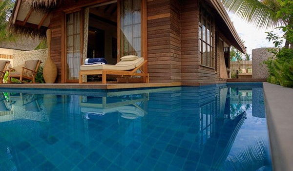 Jumeirah Vittaveli Resort : Piece of Heaven in Maldives