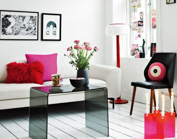 USE ART AND ACCESSORIES FOR BETTER INTERIOR DESIGN OF YOUR HOME.