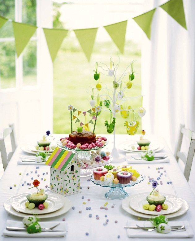 28 Easy DIY Tablescapes for Easter | diy 2 decorations  | product design editor easter decorations