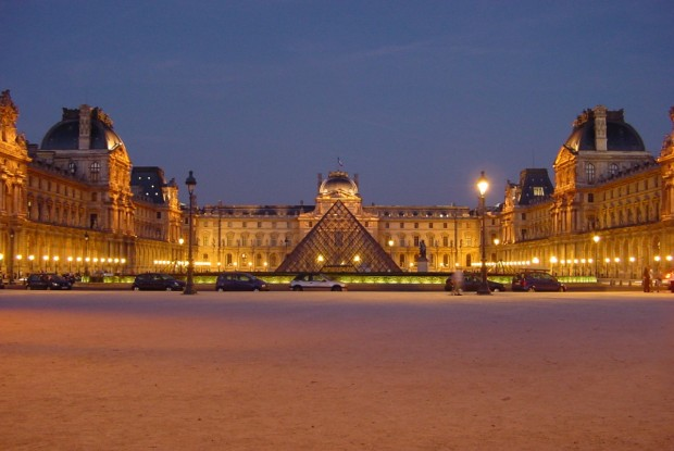 Top 10 places you must see in town of love-Paris, France