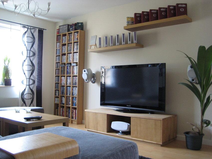 Art To Modernize A Living Room