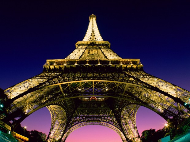 top 10 places you must see in town of love paris france