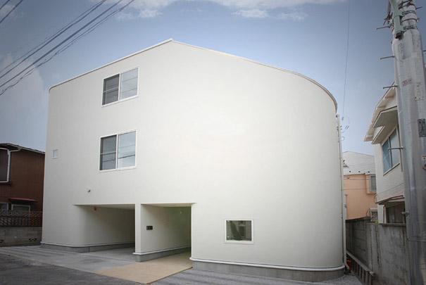 Unusual Slide House in Japan