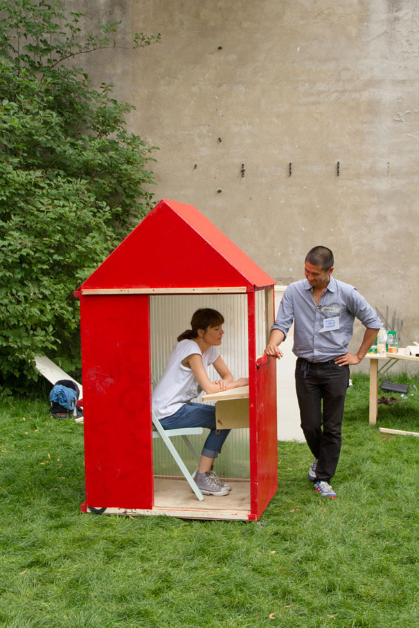 World s smallest house takes only 1 square meter - Maison mobel deutschland ...