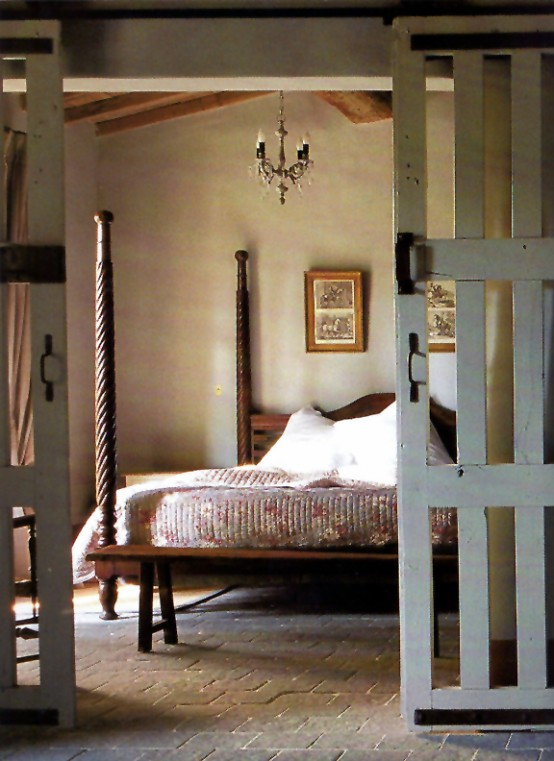 Modern Romantic Bedroom Designs: 36 Rustic Barns Bedroom Design Ideas