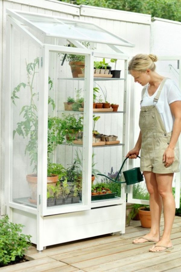 Useful Ideas For Small-Space Gardens