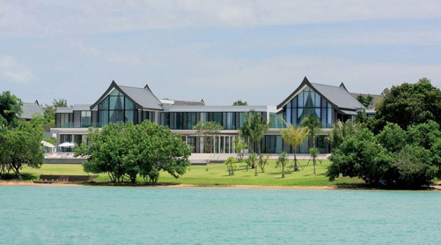 Villa Verai- Stunning Beachfront Property in Phuket