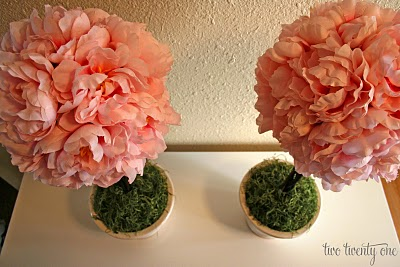colorful-and-creative-diy-spring-centerpieces12