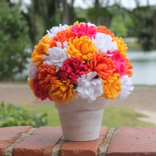 colorful-and-creative-diy-spring-centerpieces16-500x500