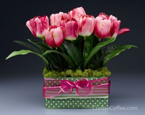 colorful-and-creative-diy-spring-centerpieces3-500x396