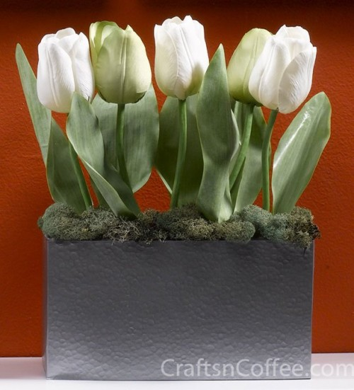 colorful-and-creative-diy-spring-centerpieces4-500x551