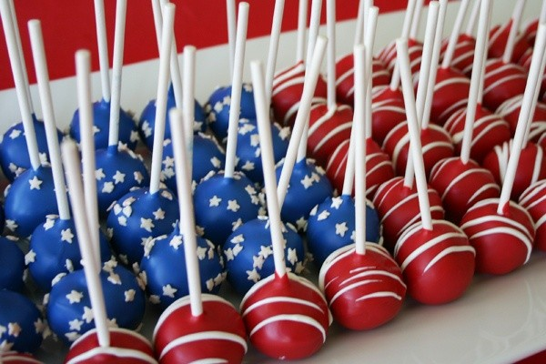 4th-of-July-Cake-Pops-e1368630369463