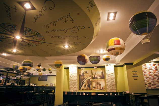 Entirely Handmade Bar Restaurant: Journey Pub in Bucharest
