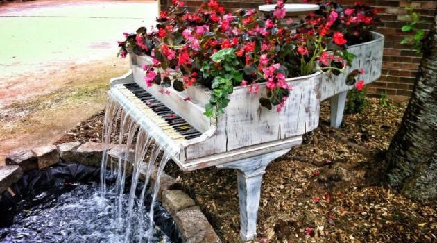 26 DIY Inventive Ideas how to Repurpose Old Pianos