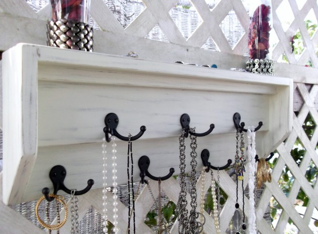Top 17 Creative DIY Ideas for Jewelry Hangers