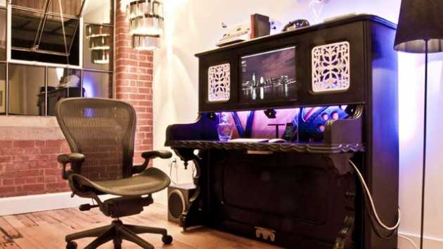 lifehacker._com._au_2012_08_the-piano-desk_