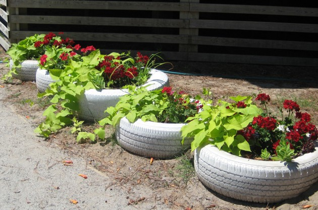 naturalearning._org_content_painting-tire-planters1