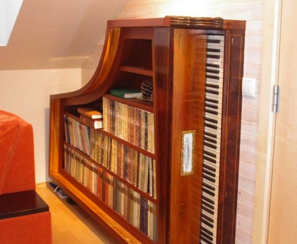 recyclart._org_2013_01_piano-bookshelf-2_
