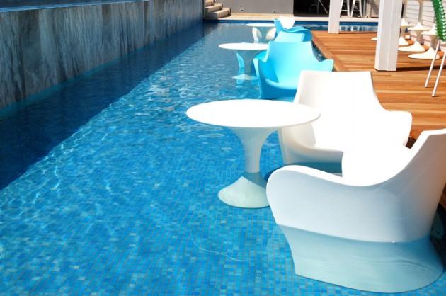 22 Breathtaking Pool-Side Bar Ideas