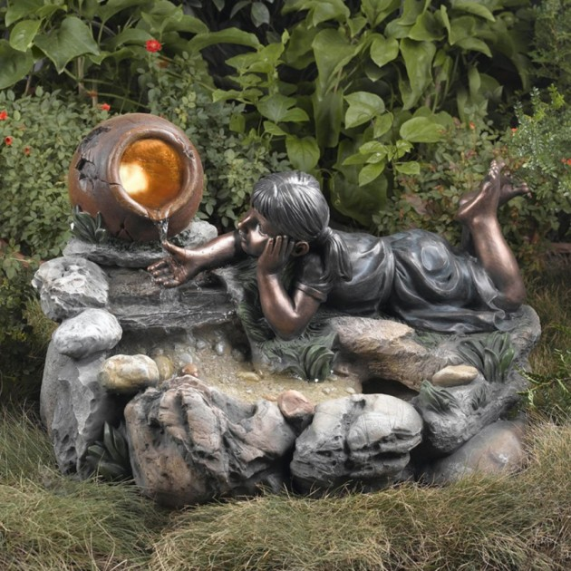 20 wonderful garden fountains for Ornamental garden features