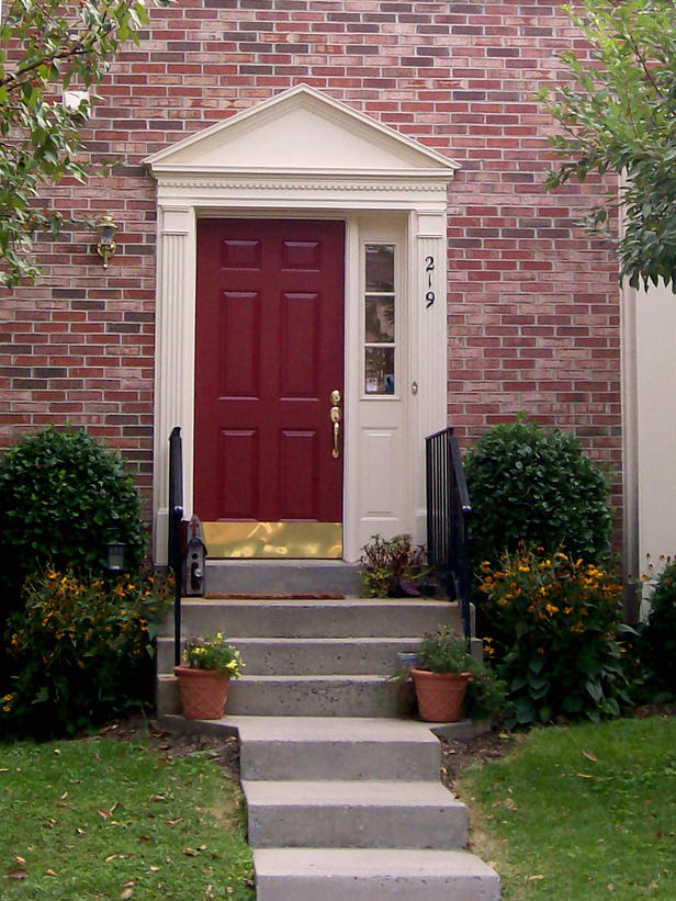 28 Lovely Colored Front Doors on Door Color Ideas  id=64493
