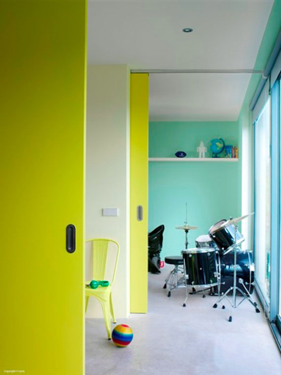 35 Incredible Neon Interior Designs