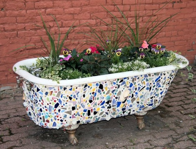 Decorate Your Old Bathtub With Pieces Of Tiles And Put It In The Garden