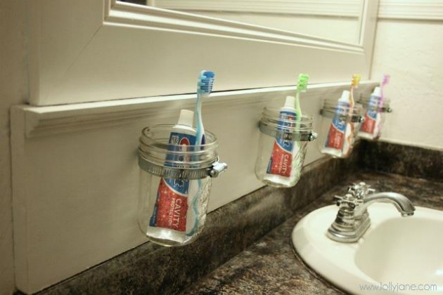 lollyjane._com_diy-mason-jar-bathroom-storage_
