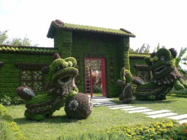 22 Marvelous Grass Sculptures