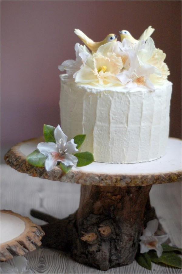 oncewed._com_514_diy-wedding_decorations_rustic-wedding-cake-stand_