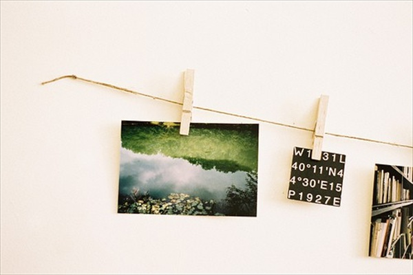 shelterness._com_25-cool-ideas-to-display-family-photos-on-your-walls_pictures_17406_