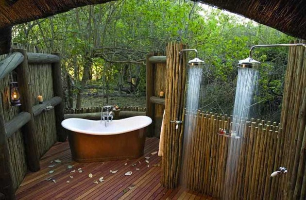 25 fabulous outdoor shower design ideas for Outdoor bathroom designs