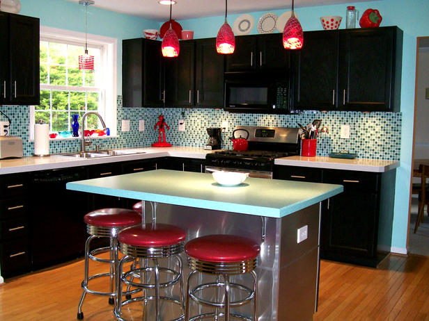 Charming 25 Lovely Retro Kitchen Design Ideas