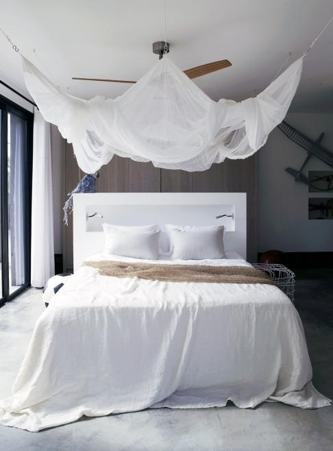 33 Incredible White Canopy Bedroom Ideas