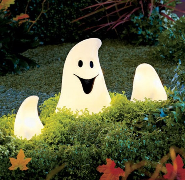 33 Spoooky Halloween Outdoor Decorations