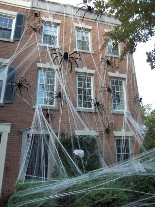 33 Spoooky Halloween Outdoor Decorations