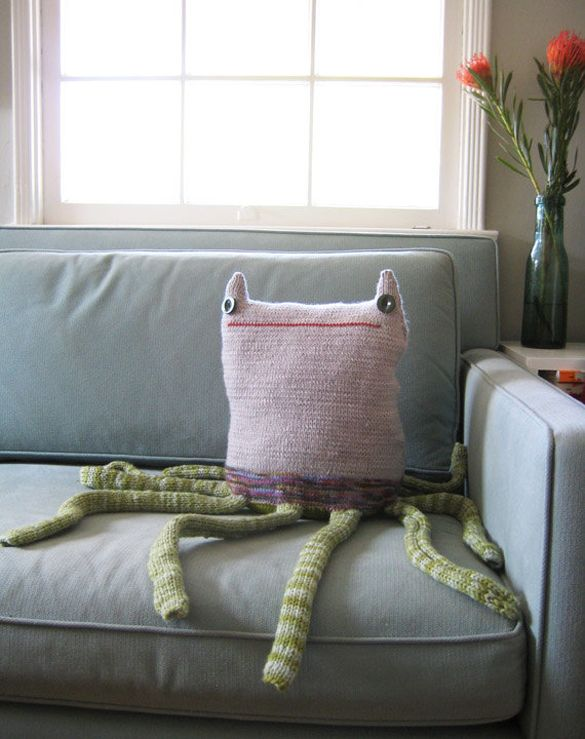 30 Unusual and Fun Pillow Designs