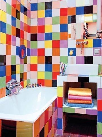 30 Adorable Bathrooms with Vivid Colors