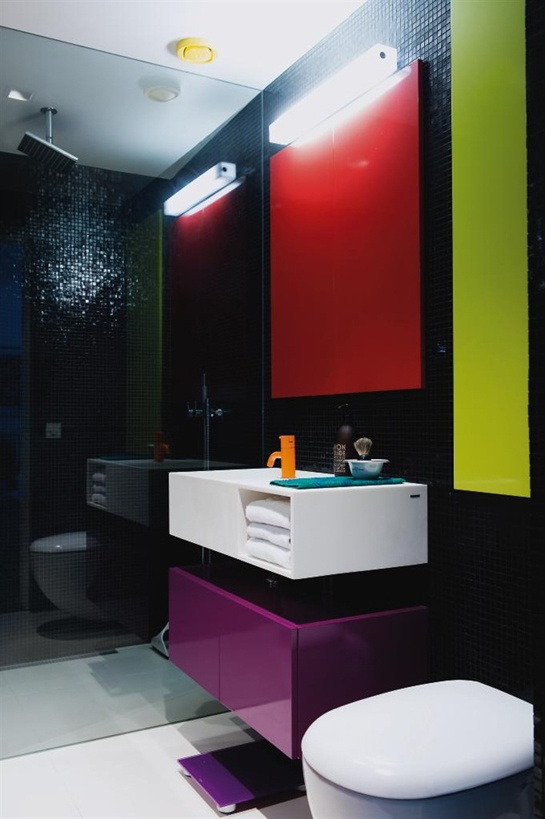 30 Adorable Bathrooms With Vivid Colors