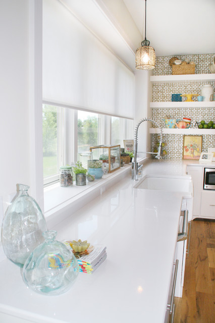 30 Impressive Kitchen Window Treatment Ideas